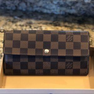 🥰Louis Vuitton Portefeuille Sarah Damier wallet